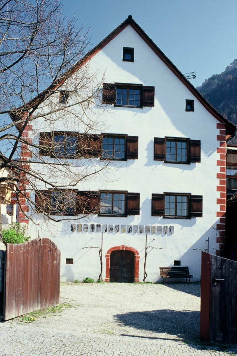 Haus 82